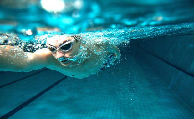 Die Schwimmtechnik genau analysieren, auch unter Wasser. Videoanalyse von ccc.