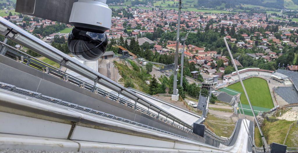 Aussicht Hinterkamera_Multikamerasystem im Skispringen