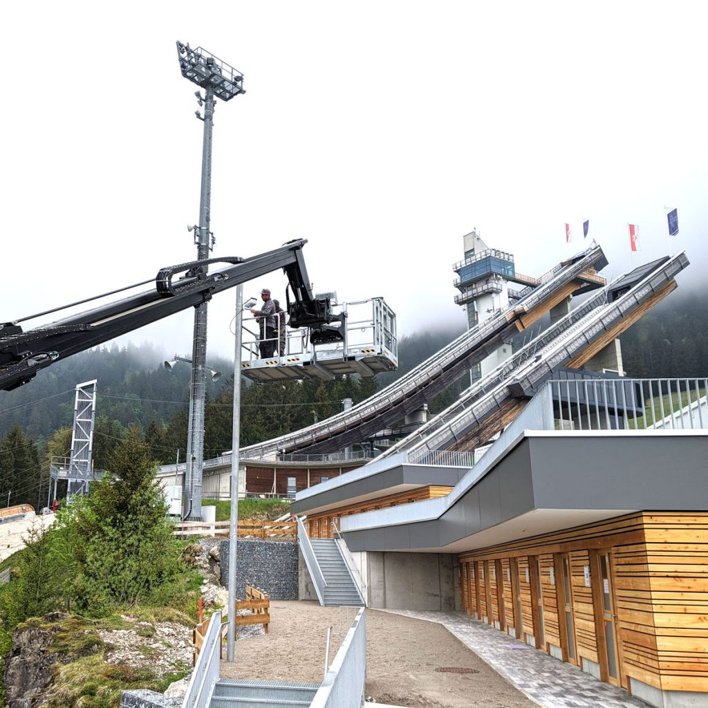 Anbringung der Kameras mit Manitou_Kamerasystem Skispringen